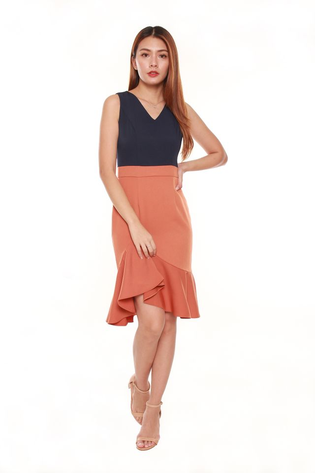Cadyna Colorblock Fitted Mermaid Dress in Blue/Orange