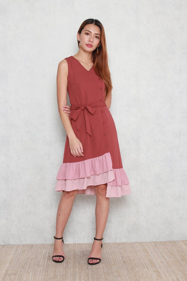 Hadley Tiered Colorblock Hem Dress in Tea Rose