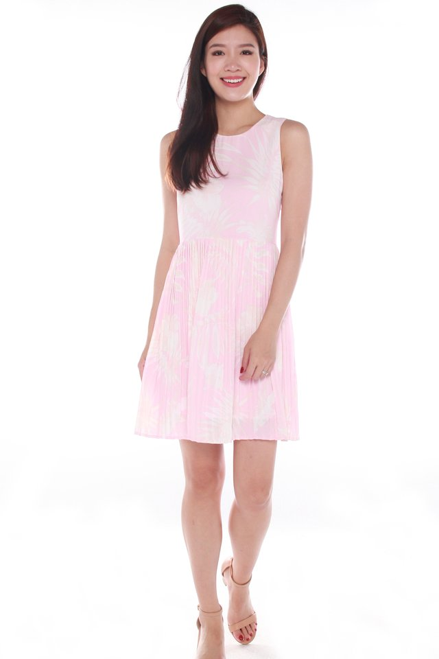 Hailey Sleeveless Pleated Floral Pouf Dress in Pink