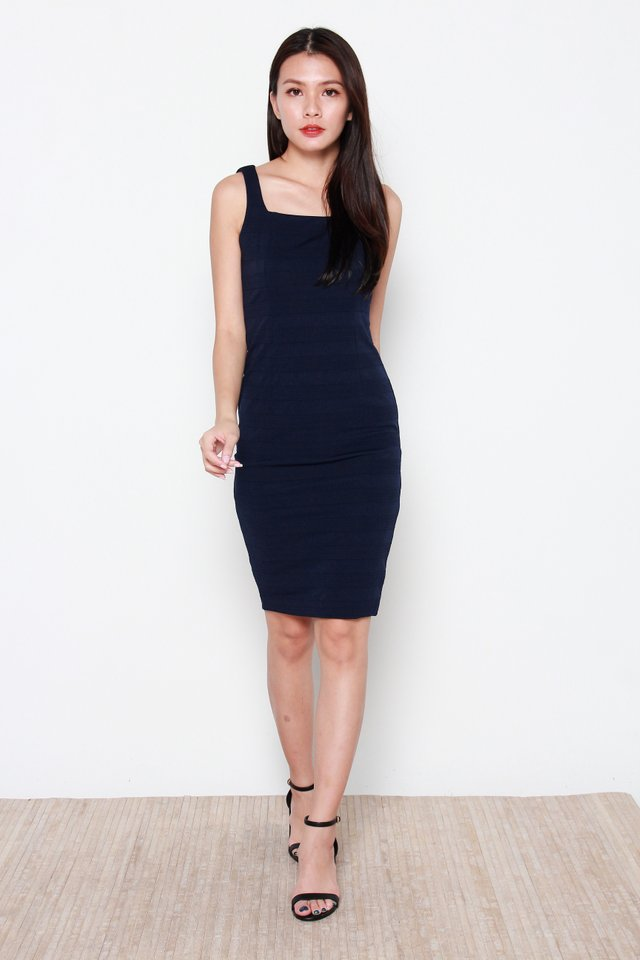Henah Textured Ribbed Dress in Navy Blue