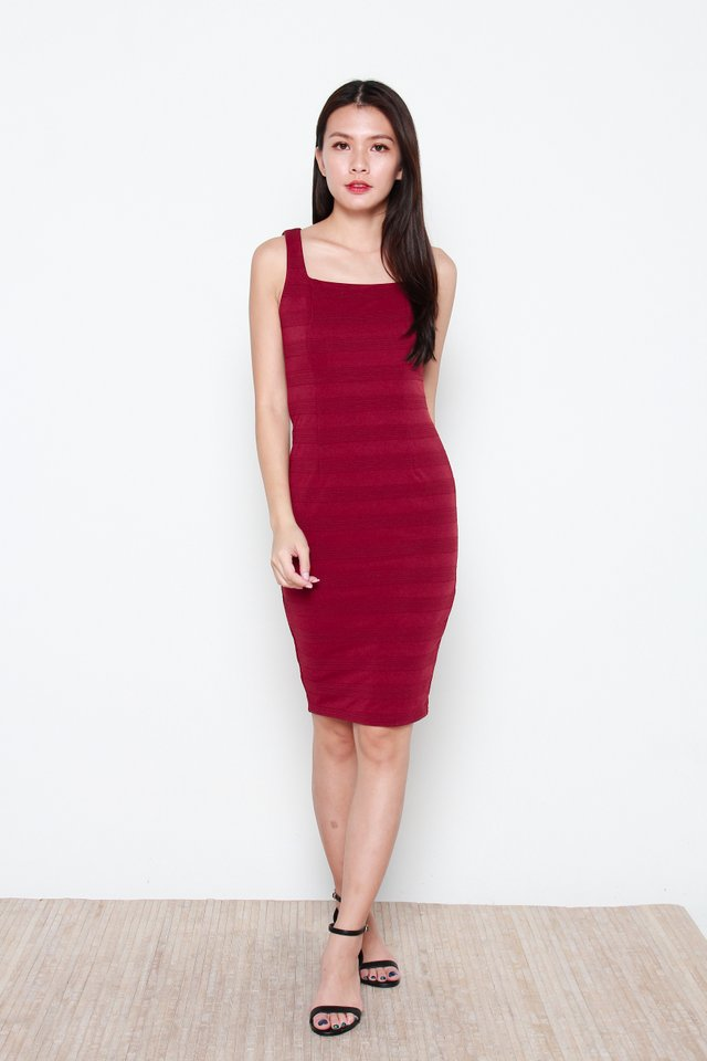Henah Textured Ribbed Dress in Wine