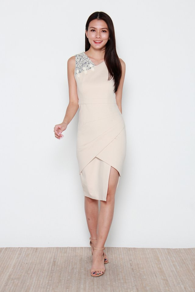 Nariko Asymmetric Dress in Cream