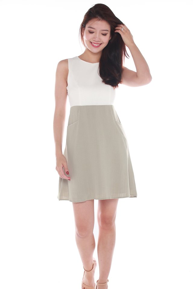 Keilani Two Tone A-Line Dress in White/Olive