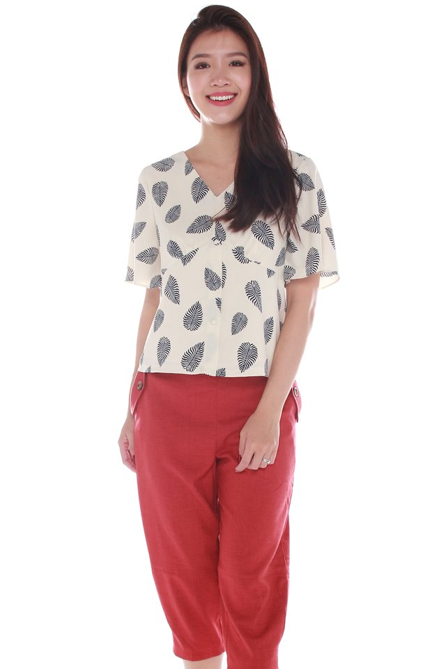 Shelby V-Neck Leafy Print Top in Cream