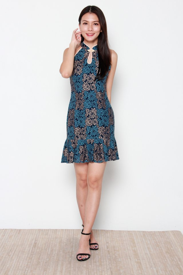 Kwan Cut-In Keyhole Duo Colour Lace Cheongsam Dress in Blue/Cream