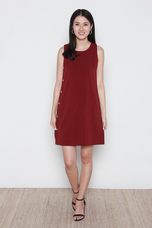 Novah Sleeveless Side Button Dress in Wine