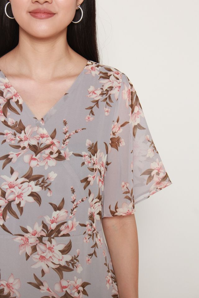 Angeline Floral Print With Flutter Sleeves Dress in Grey Blue