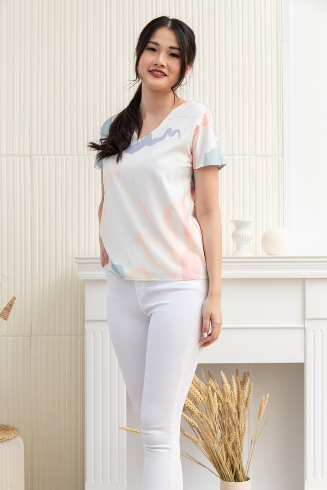 Elena Abstract V-Neck Top in White/Pink