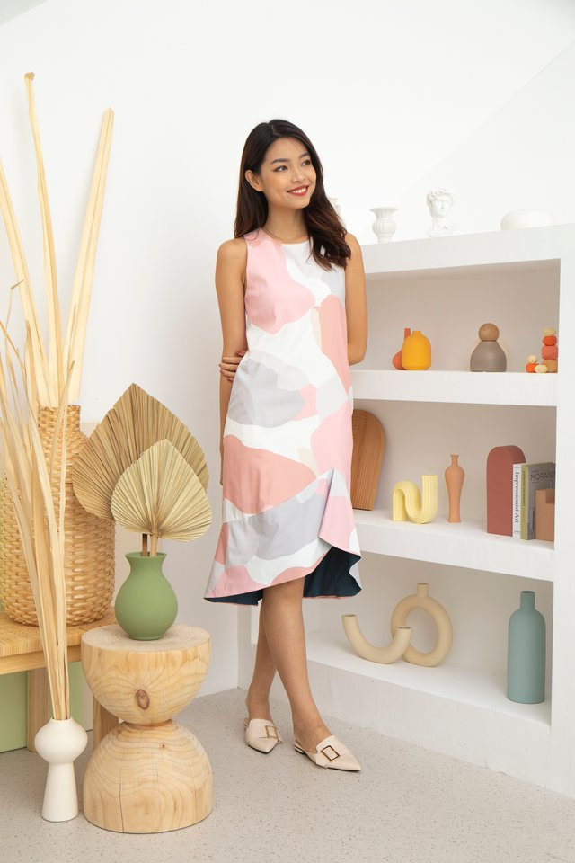 Caterina Abstract Hi-Lo Dress in Pink/Cream