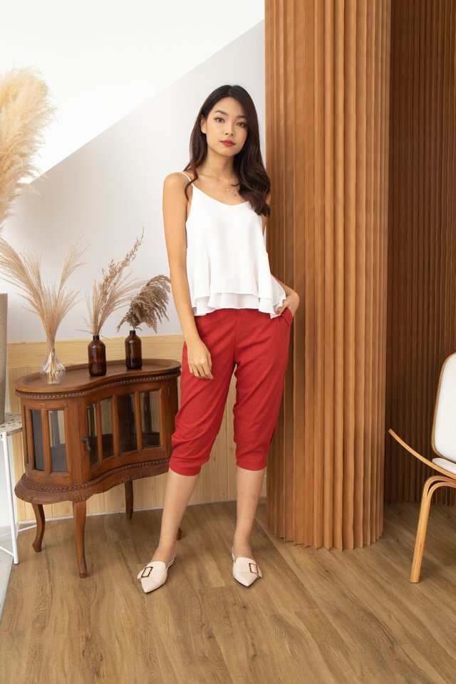 Giulia Three-Quarter Pants in Red