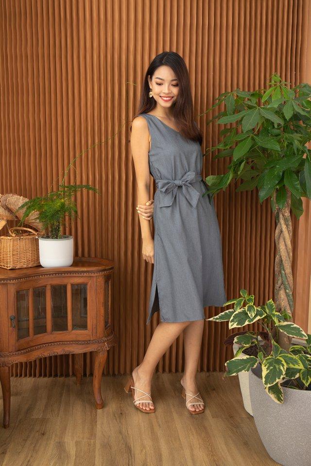 Winola V-Neck Sleeveless Midi Dress in Grey